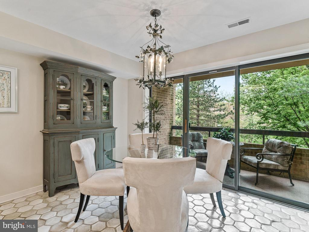 Enjoy your meals overlooking the trees - 11420 STRAND DR #R-113, NORTH BETHESDA