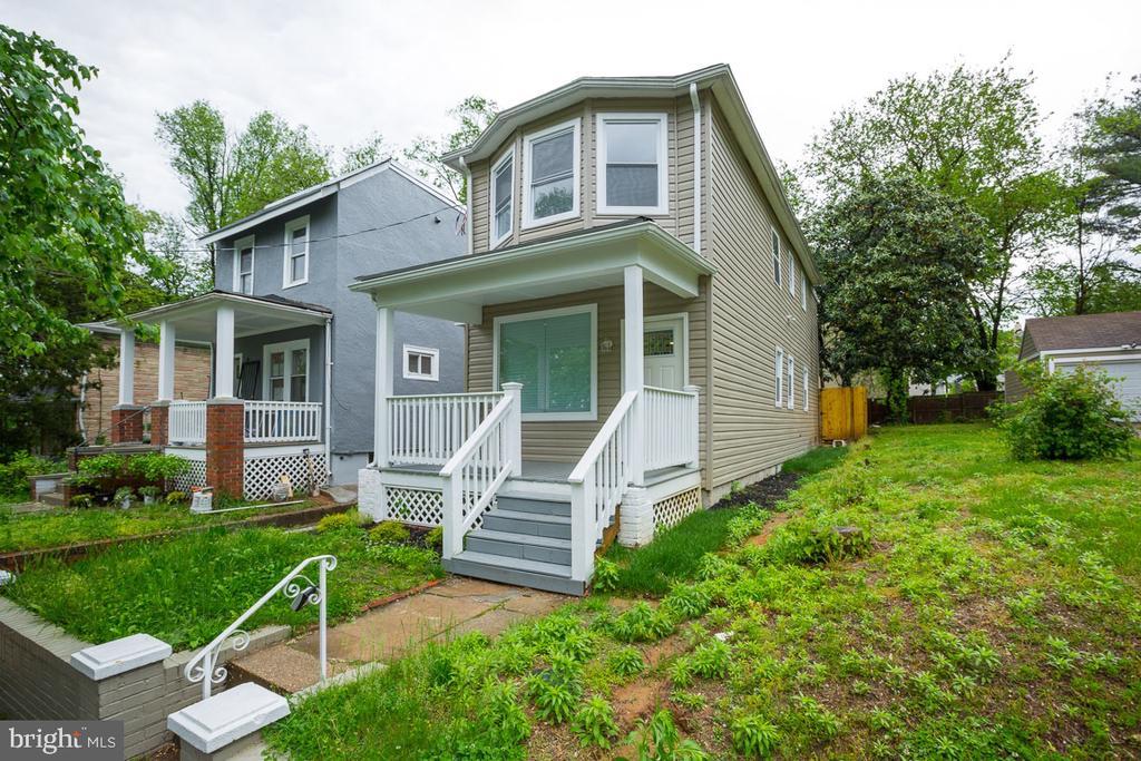Welcome home! - 4424 HUNT PL NE, WASHINGTON