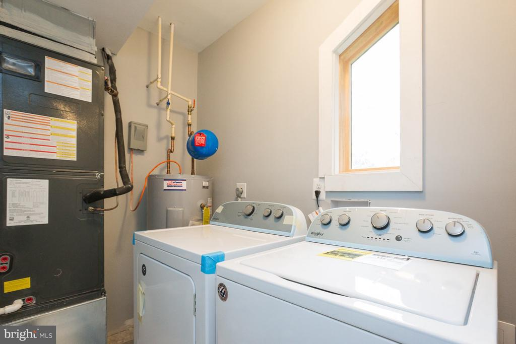 Large laundry  and storage space - 4424 HUNT PL NE, WASHINGTON