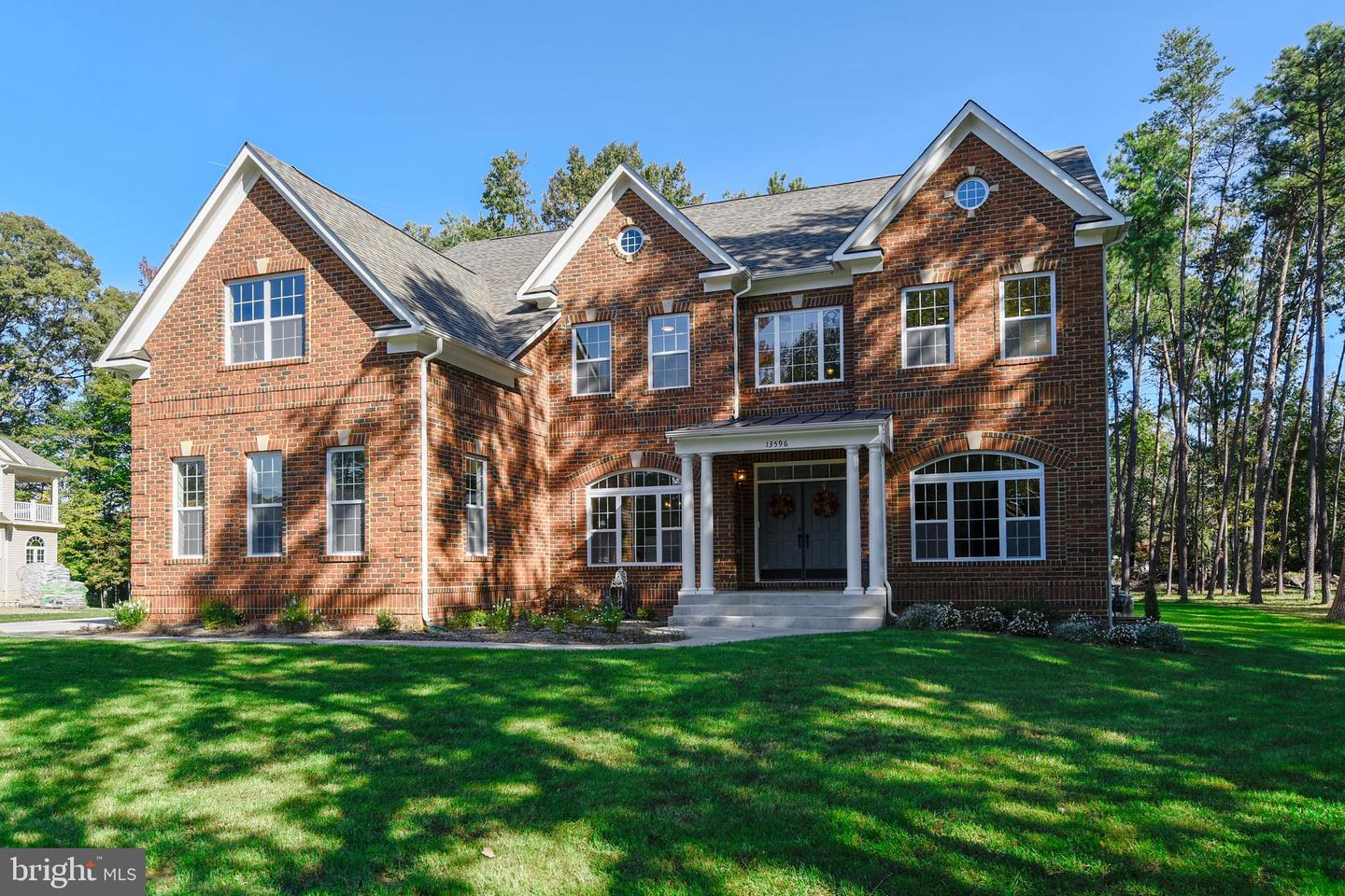 Single Family for Sale at 13596 South Springs Dr Clifton, Virginia 20124 United States