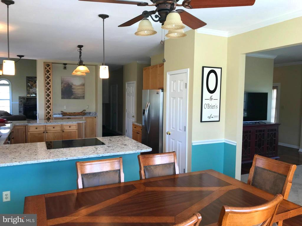 Dining / Kitchen Open Floor Plan - 17 VICTORIA LN, MARTINSBURG