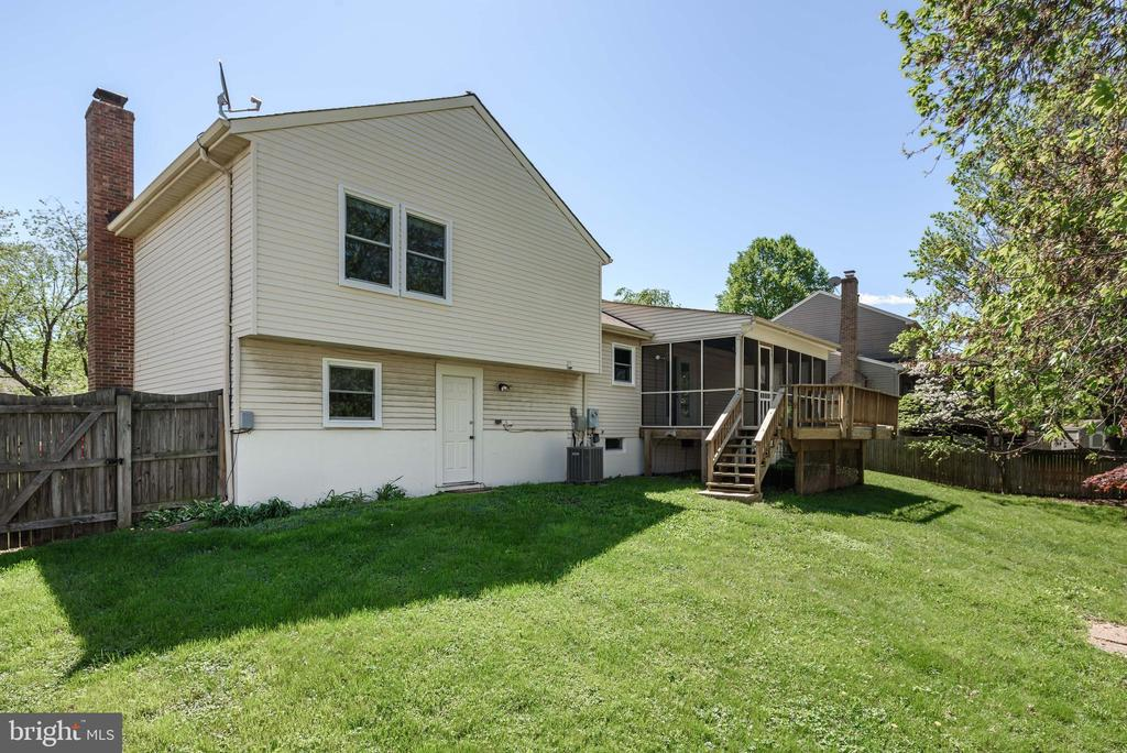 - 109 RECTOR ST, STERLING
