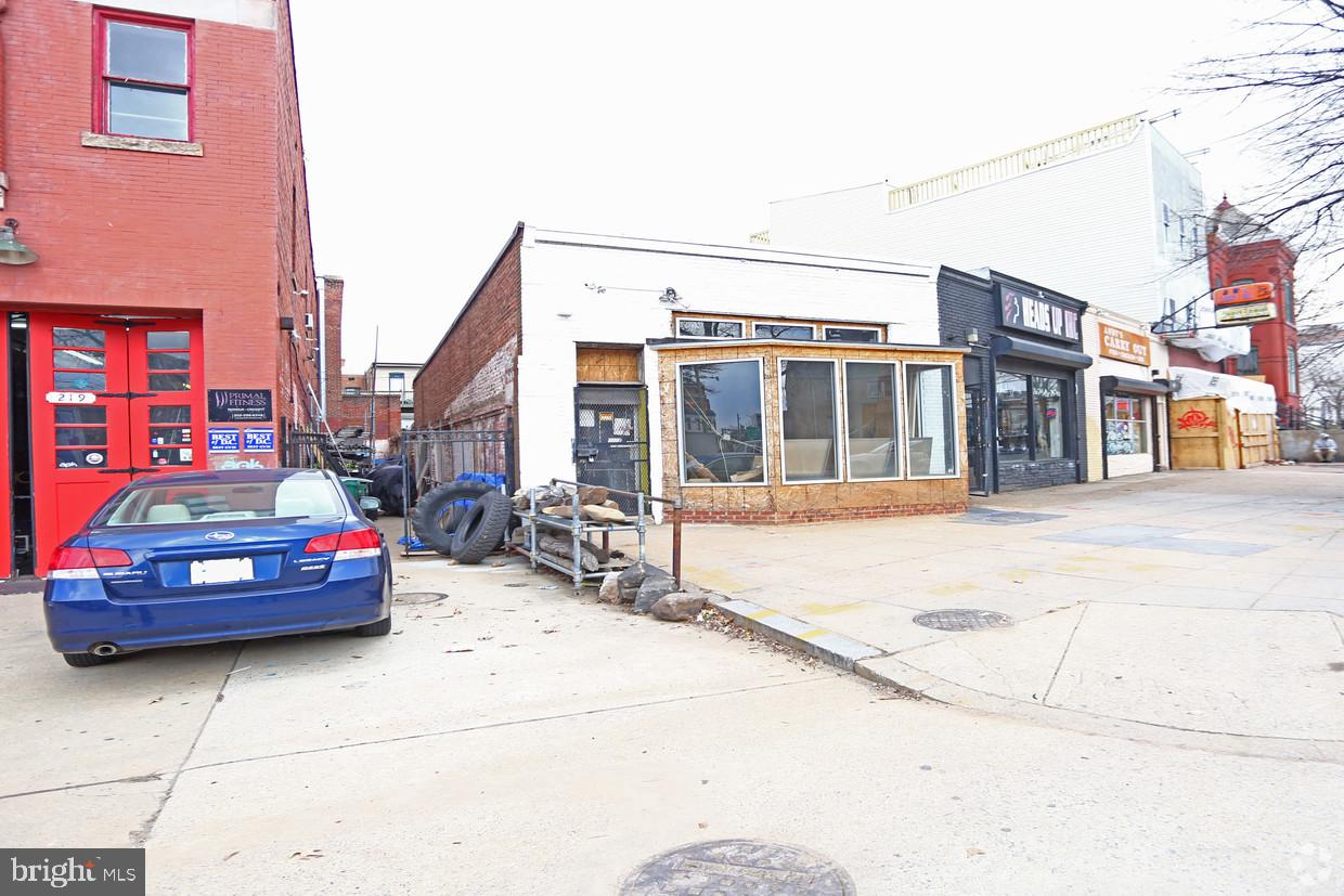 Commercial for Sale at 215 New York Ave NW 215 New York Ave NW Washington, District Of Columbia 20001 United States