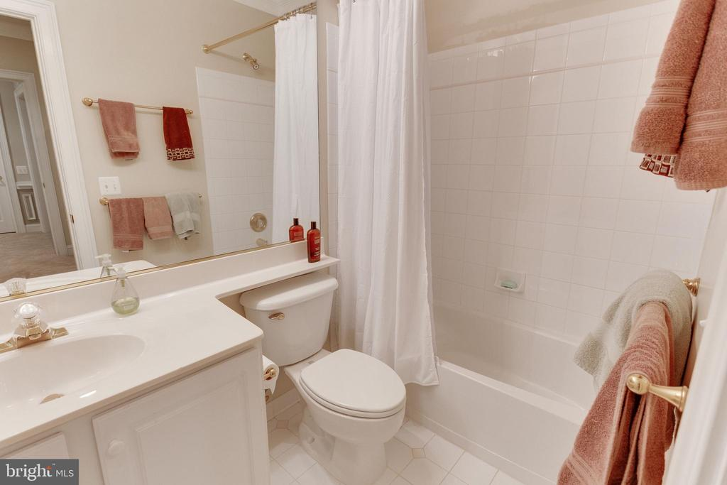 Bathroom - 3166 ARIANA DR, OAKTON