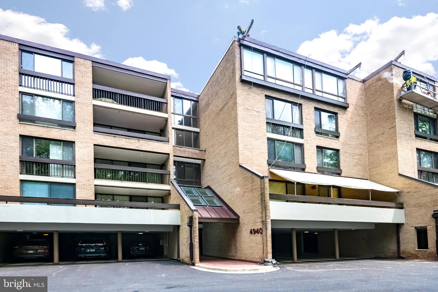 Single Family for Sale at 4940 Sentinel Dr #4-105 4940 Sentinel Dr #4-105 Bethesda, Maryland 20816 United States