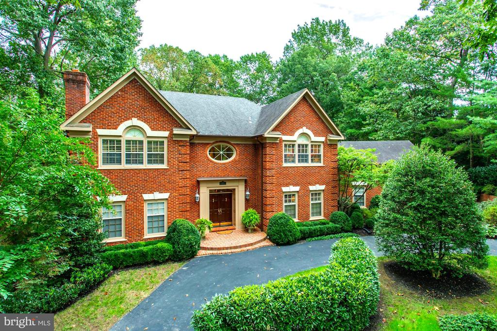 Exterior (Front) - 8702 OLD DOMINION DR, MCLEAN