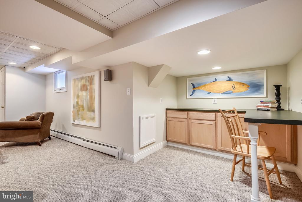 Party room perfect for entertaining - 104 TUNBRIDGE RD, BALTIMORE
