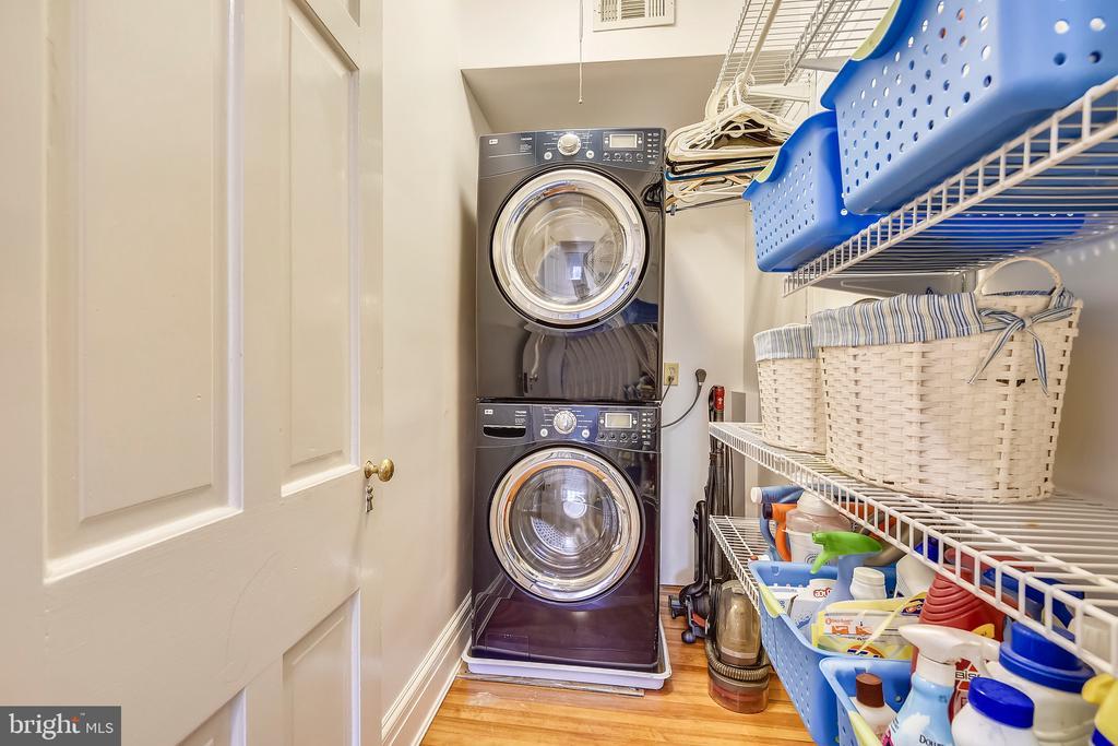Upper level laundry - 104 TUNBRIDGE RD, BALTIMORE