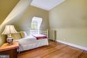 Bedroom on upper level - 104 TUNBRIDGE RD, BALTIMORE