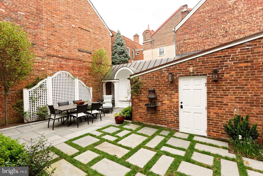 Access the garage/storage from the patio area - 209 S SAINT ASAPH ST, ALEXANDRIA