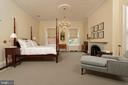The spacious master suite offers high ceilings - 209 S SAINT ASAPH ST, ALEXANDRIA