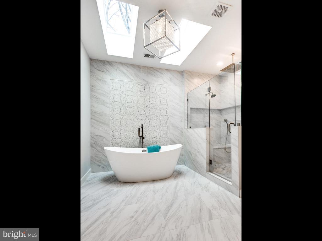 Master Bath - 1200 WARE ST SW, VIENNA