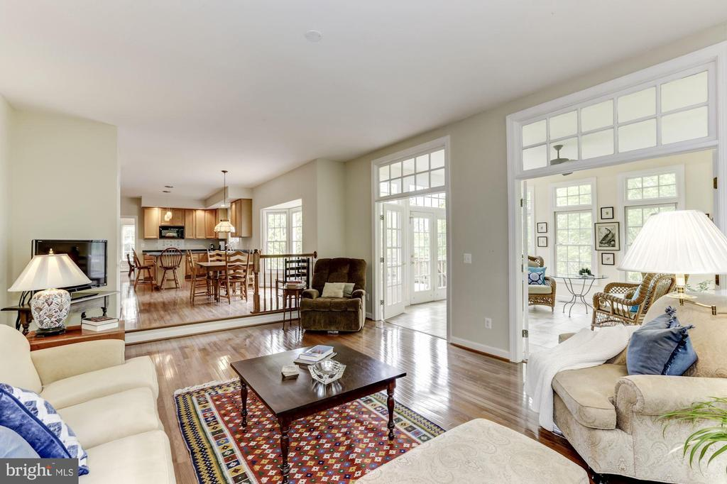 Kitchen, Sun Room and Family Room - 11696 CARSON OVERLOOK CT, HERNDON
