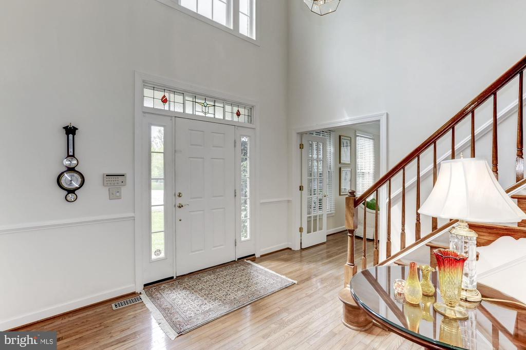 Two-Story Foyer - 11696 CARSON OVERLOOK CT, HERNDON