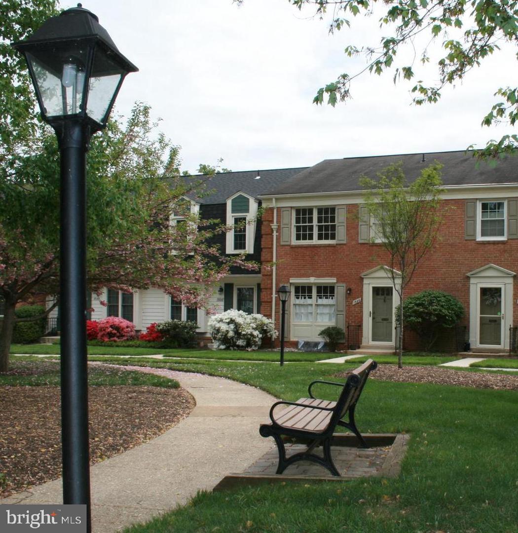 1526 WESTMORELAND Street  McLean, Virginia 22101 Vereinigte Staaten