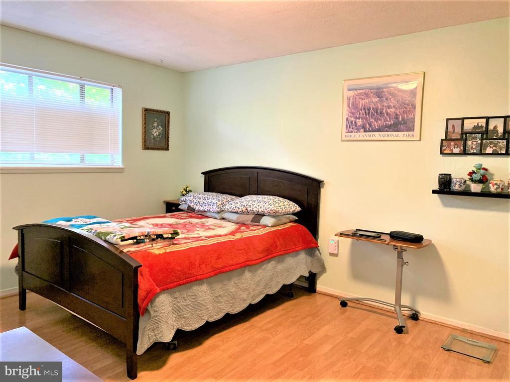 Laminate Wood Flooring Bedroom - 7360 LEE HWY #101, FALLS CHURCH