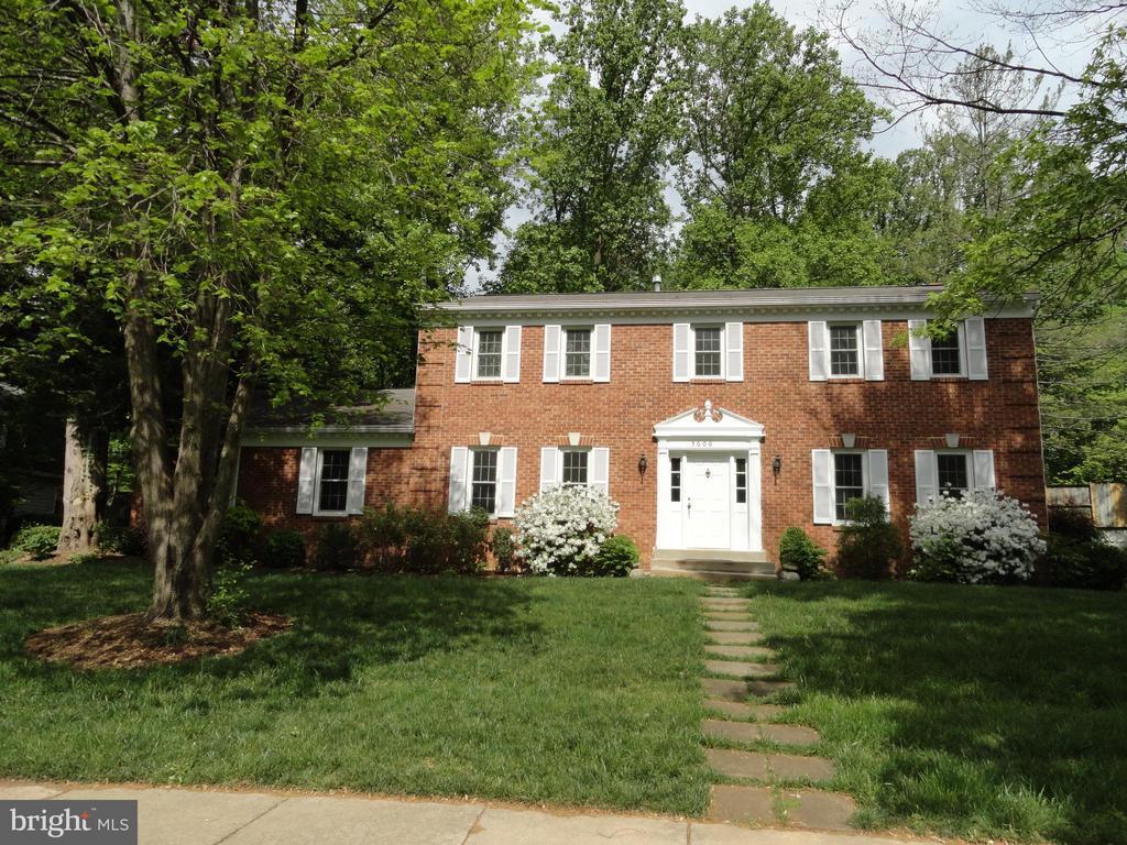 5606  TILIA COURT, Burke, Virginia