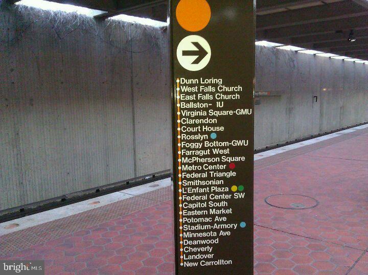 Minutes to Dunn Loring- Merrifield Metro Station - 7360 LEE HWY #101, FALLS CHURCH