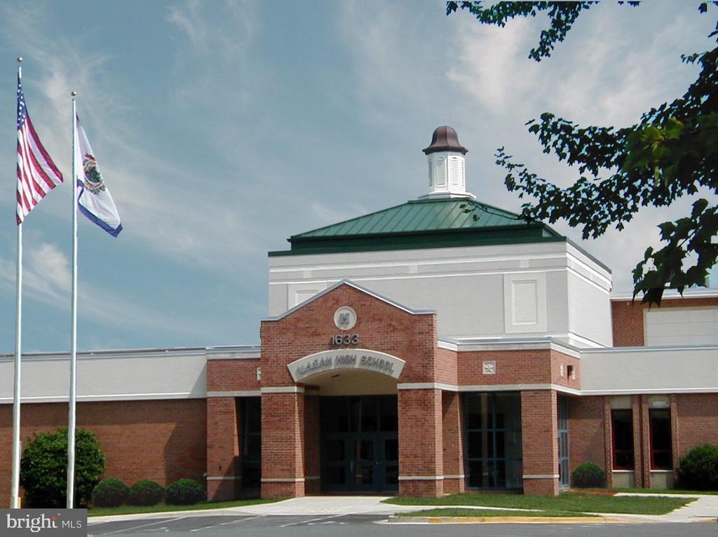 McLean High School - 7360 LEE HWY #101, FALLS CHURCH