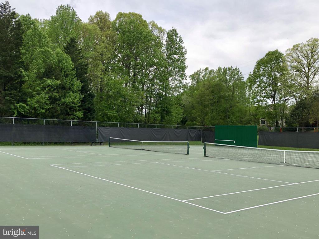 LOVE your tennis matches - 12904 CHALKSTONE CT, FAIRFAX