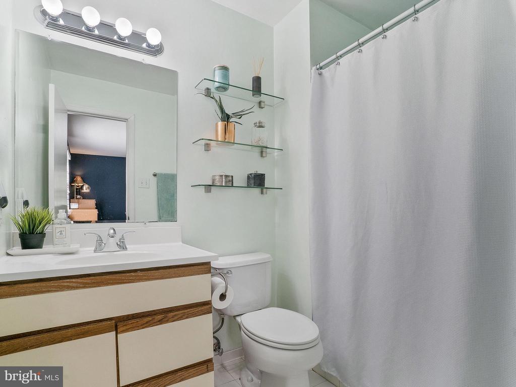 Master Bathroom - 6303 ZEKAN LN, SPRINGFIELD