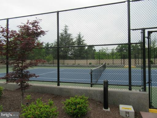 TENNIS COURT - 5800 NICHOLSON LN #1-907, ROCKVILLE