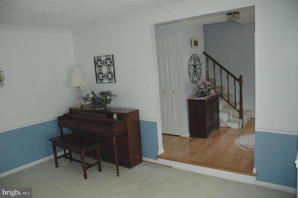 Living Room - 15700 CRANBERRY CT, DUMFRIES