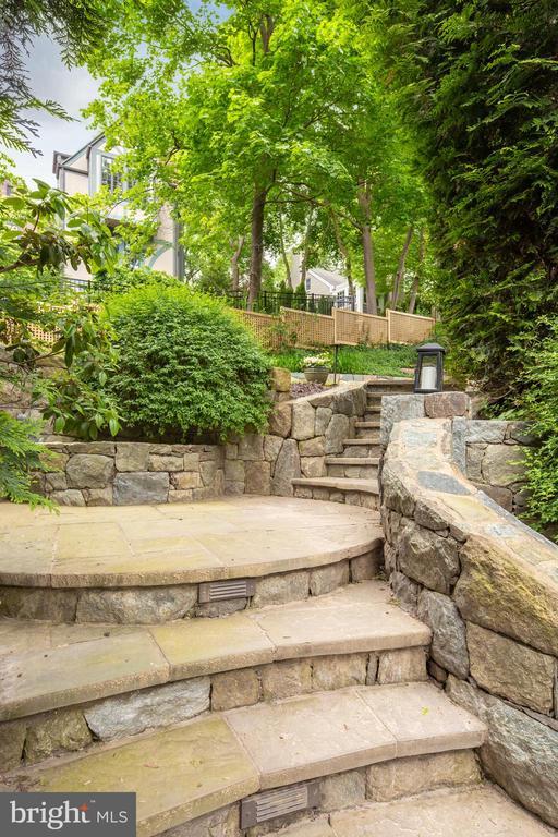 Attractive Stonework! - 3216 N ABINGDON ST, ARLINGTON