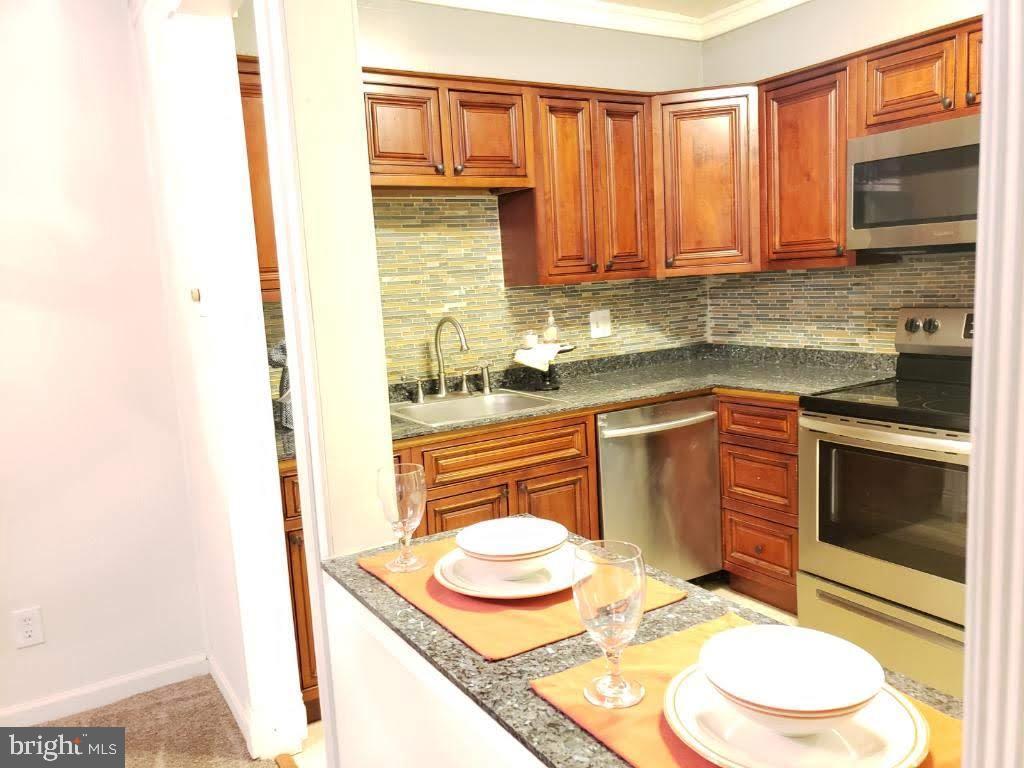 Kitchen view 1 - 10110 CAMPUS WAY S #102-8A, UPPER MARLBORO