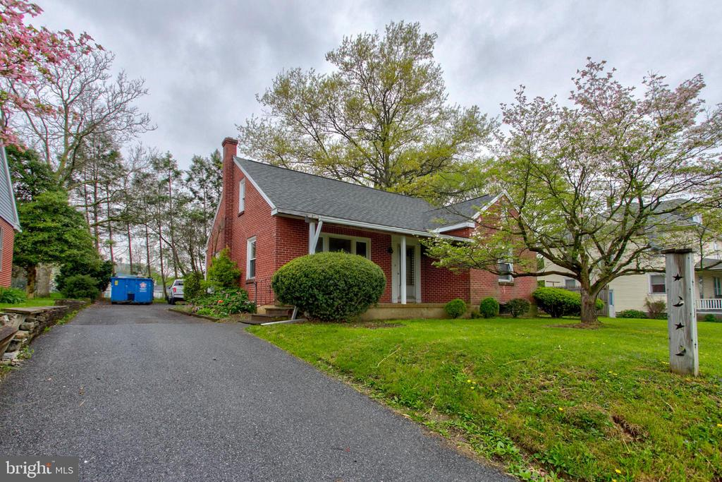 187  FRUITVILLE PIKE, Manheim in LANCASTER County, PA 17545 Home for Sale