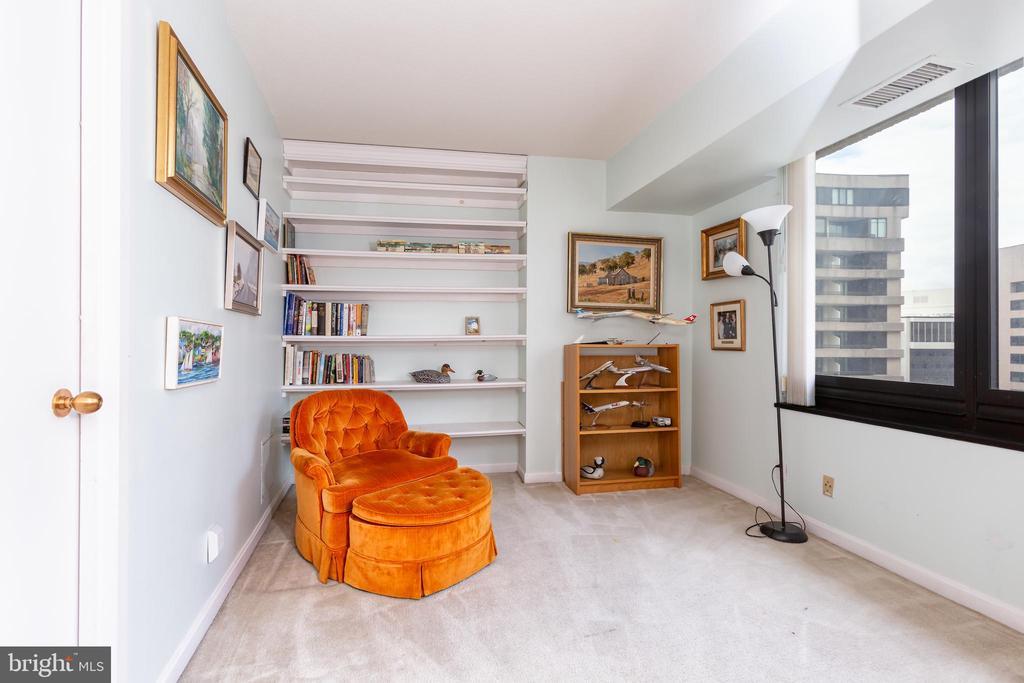 Master Sitting Room - 1200 CRYSTAL DRIVE #1413-1414, ARLINGTON