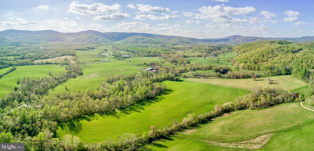 Pastures - 4 WINDSOR LODGE LN, FLINT HILL