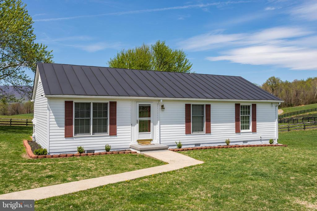 3 Income Producing Tenant or Guest Houses - 4 WINDSOR LODGE LN, FLINT HILL