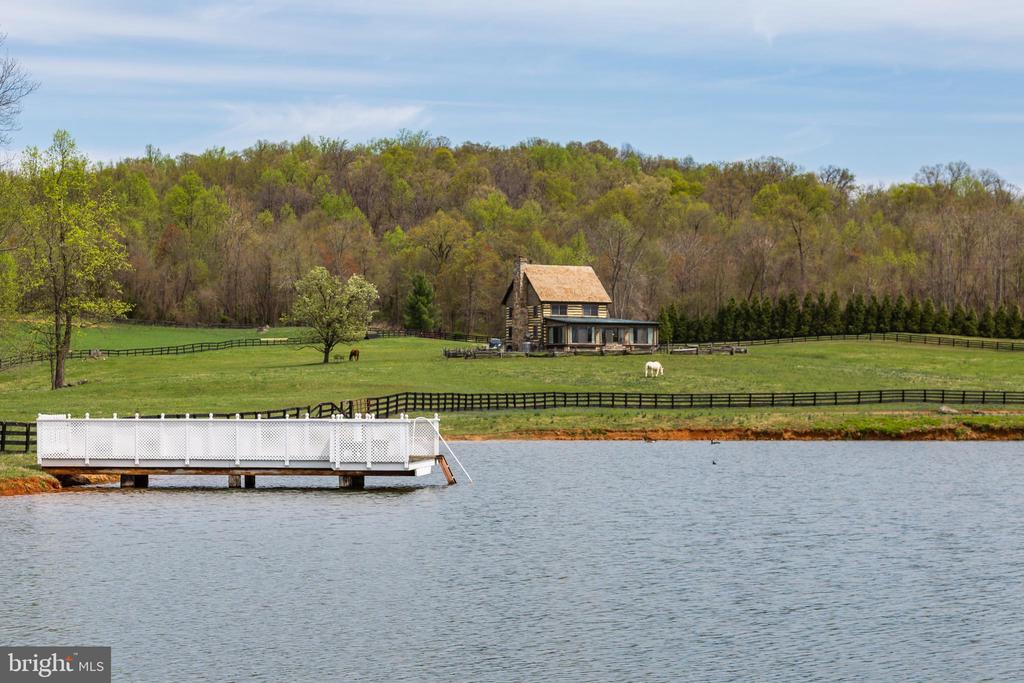 10 Acre Lake with Dock - 4 WINDSOR LODGE LN, FLINT HILL