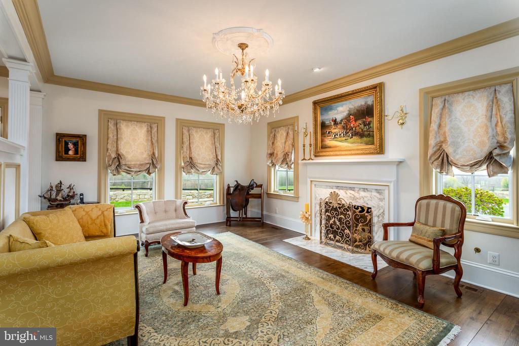 Sitting Room with Oak Floors, Fireplace,Views - 4 WINDSOR LODGE LN, FLINT HILL