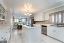 Bright Kitchen with Island - 4 WINDSOR LODGE LN, FLINT HILL