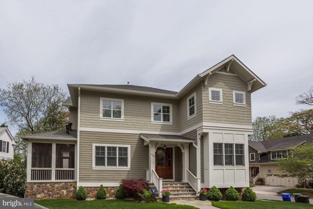 Custom BCN Home w/ stunning stonework & detailing - 405 N HIGHLAND ST, ARLINGTON