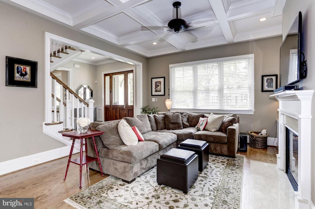 Family Room with coffer ceiling & fireplace - 405 N HIGHLAND ST, ARLINGTON
