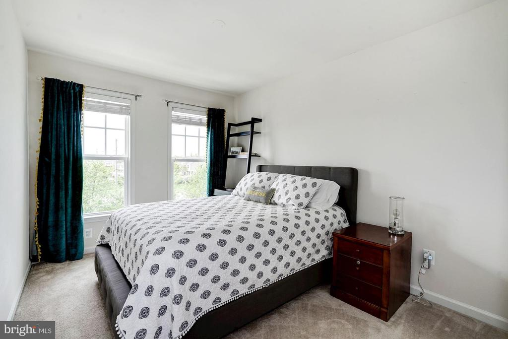 Third Bedroom on Upper Level - 42412 BENFOLD SQ, ASHBURN