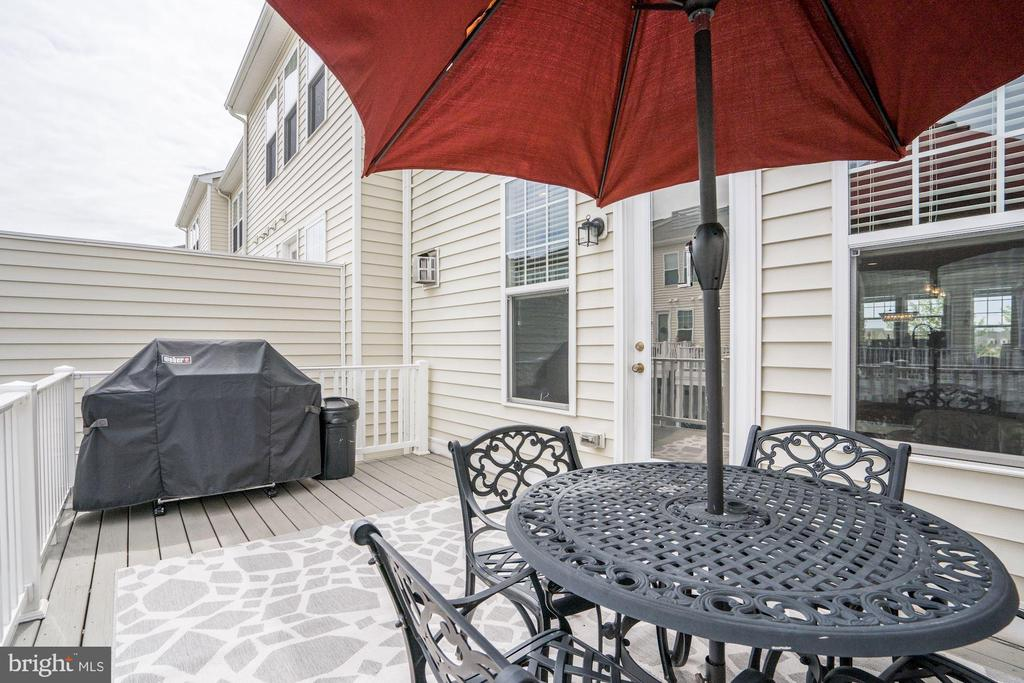 Grill Your Summer Away on Main Level Deck - 42412 BENFOLD SQ, ASHBURN
