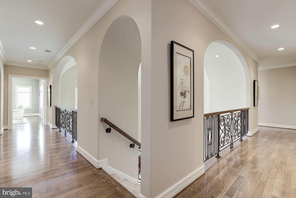 Upper Hallway - 1179 ORLO DR, MCLEAN