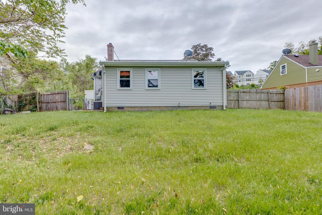 A Little Investment Today=Big Payoff Tomorrow - 3212 BURGUNDY RD, ALEXANDRIA