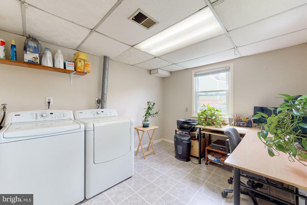 Office & Laundry Room in Addition - 3212 BURGUNDY RD, ALEXANDRIA