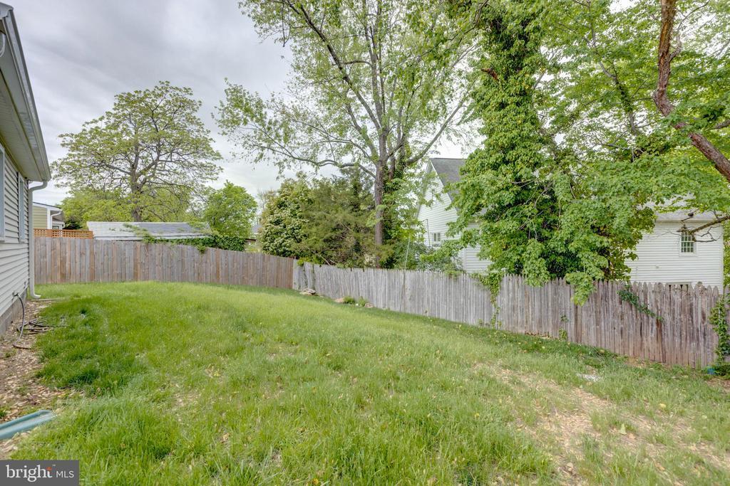 Almost a Quarter Acre Lot - 3212 BURGUNDY RD, ALEXANDRIA