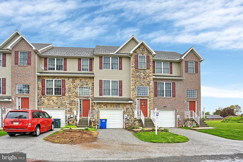 single family homes för Försäljning vid Manchester, Pennsylvania 17345 Förenta staterna
