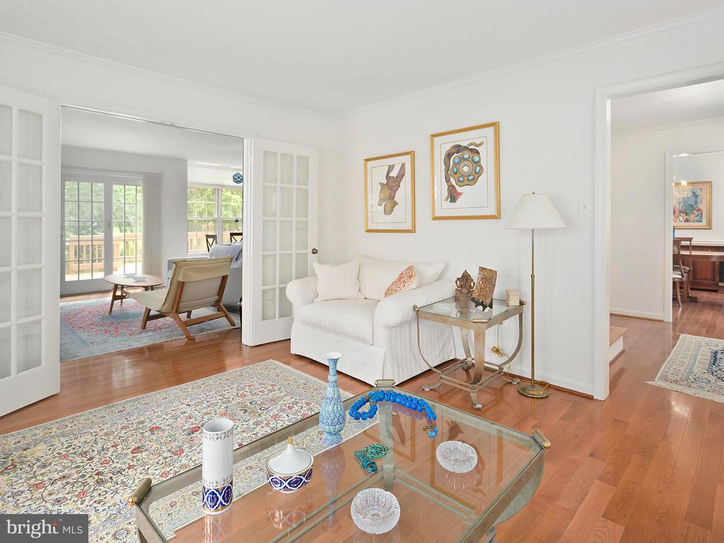 Living room - 1232 BISHOPSGATE WAY, RESTON