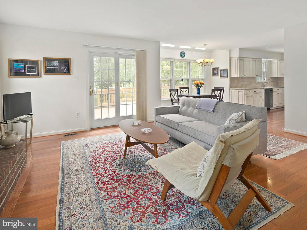 Family room - 1232 BISHOPSGATE WAY, RESTON