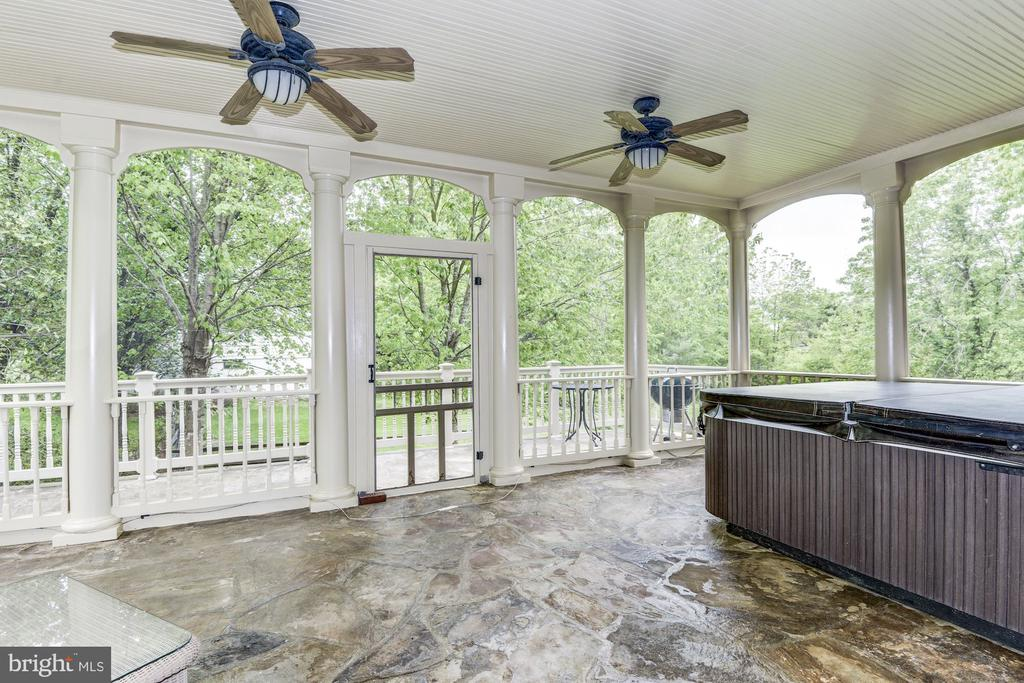 Enjoy the elegant porch on warm nights - 6412 NOBLE ROCK CT, CLIFTON