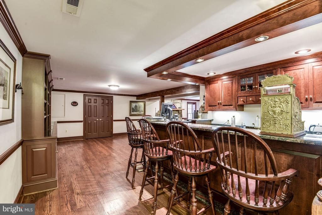 Custom built bar and 'taproom' - 6412 NOBLE ROCK CT, CLIFTON