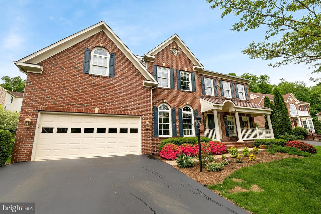 6076  DEER RIDGE TRAIL, Springfield, Virginia